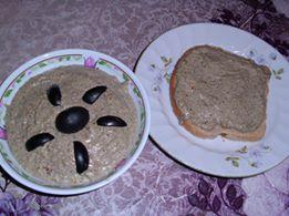 Пастет с маслини и бадеми